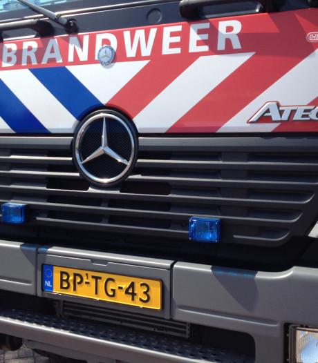 Man sleept brandende motor uit garage in Vught en raakt gewond