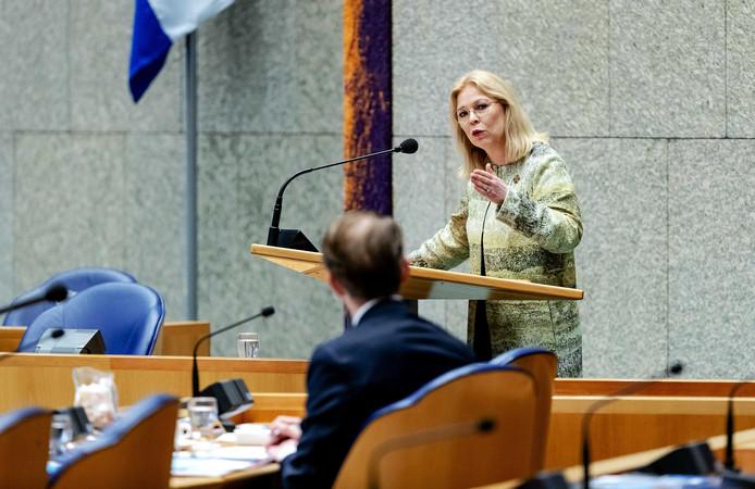 CDA-Kamerlid Madeleine van Toorenburg noemt de manier waarop Van der Graaf opereert 'één groot manipulerend spel.