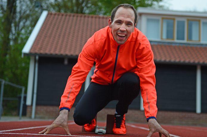 Enternaar Kelvin Damhuis staat in de startblokken voor de Special Olympics.