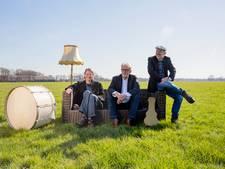 Culturele duizendpoot Van Beem treedt op in open lucht bij Vasse