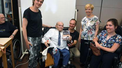 Het boek van Arthur (90): een levensverhaal over de Leuvenaar die parkeerplaatsen voor mindervaliden werkelijkheid maakte