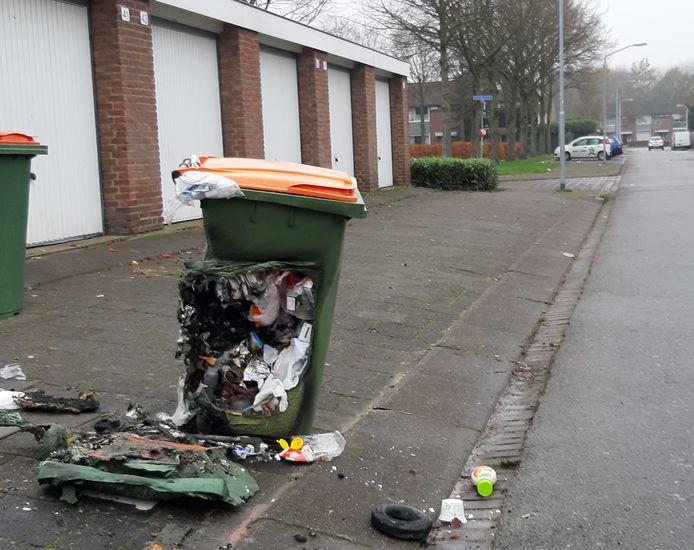 Restant van kliko na baldadigheid met vuurwerk in de buurt Biesdonk in de Hoge Vucht in Breda.