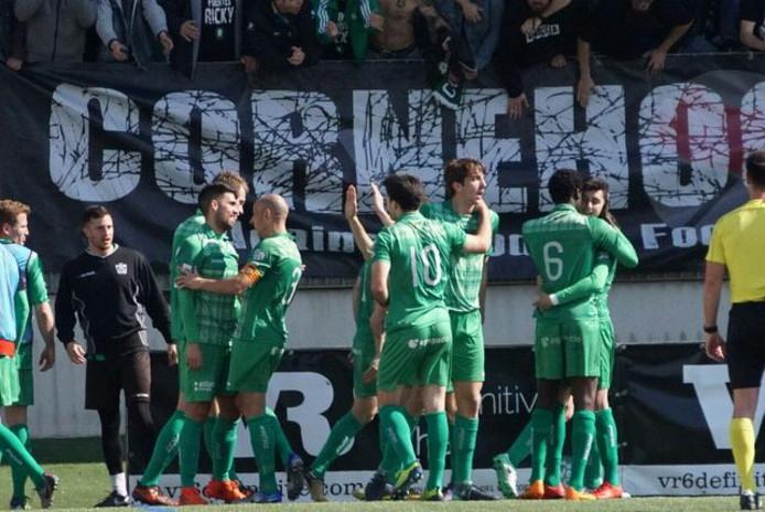 UE Cornella heeft reden voor een feestje na het behalen van de promotie play-offs.