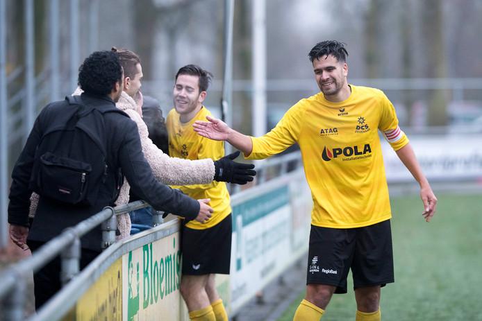 DCS-spits Onur Ilbay (rechts) scoorde zondag drie keer.
