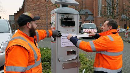 Parkeerautomaat met slijpschijf bewerkt