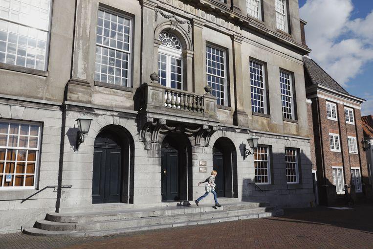 Gemeentehuis Weesp. Beeld SOPHIE SADDINGTON