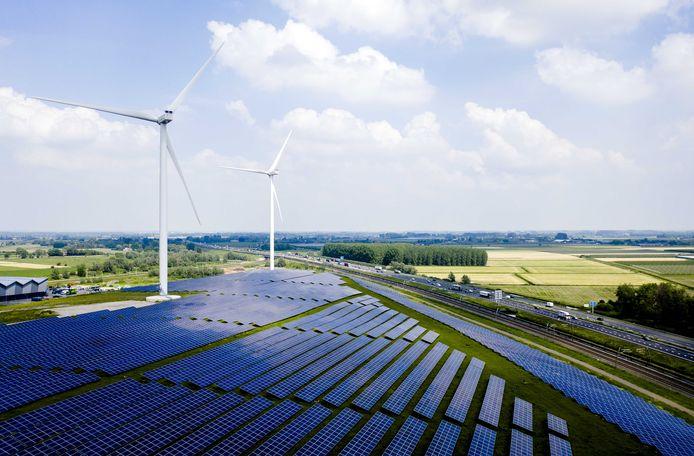 Wind en zon, zoals hier bij Geldermalsen, heeft ook Uden nodig om aan de RES-verplichtingen van 2030 te kunnen voldoen.