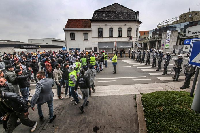 Mars tegen politiegeweld in Roeselare.