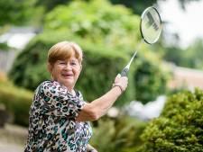 Oprichter en duizendpoot Rieky Houthuijse uit Hellendoorn verlaat na 35 jaar badmintonvereniging: 'De sociale contacten, die ga ik wel missen'