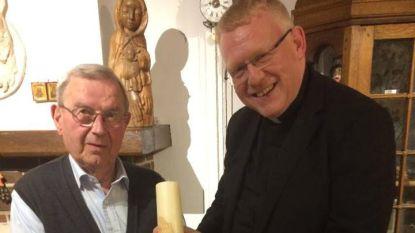 Pastoor Penne viert briljanten priester Van Roost