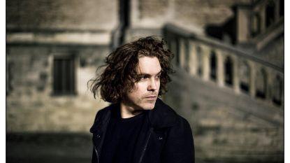 """Jasper Steverlinck brengt na 13 jaar een nieuwe plaat uit én zit in 'Liefde Voor Muziek': """"Ik ben helemaal terug om de muziekwereld te veroveren"""""""