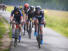 Timo de Jong uit Goes sluit het wielerseizoen af met zwaarbevochten zege in Zele