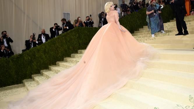 """Billie Eilish zette modemerk onder druk voor Met Gala: """"Ik draag de jurk enkel als je stopt met bont"""""""