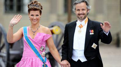 Corona teistert Noorwegen: Märtha Louise rouwt in afzondering, Mette-Marit zit in de hoogste risicocategorie