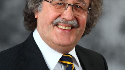 Ex-burgemeester Chris Andries richt burgerbeweging op