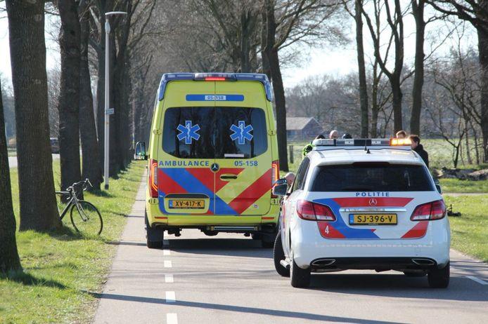 Het ongeval gebeurde op de parallelweg van de Holterstraatweg in Rijssen