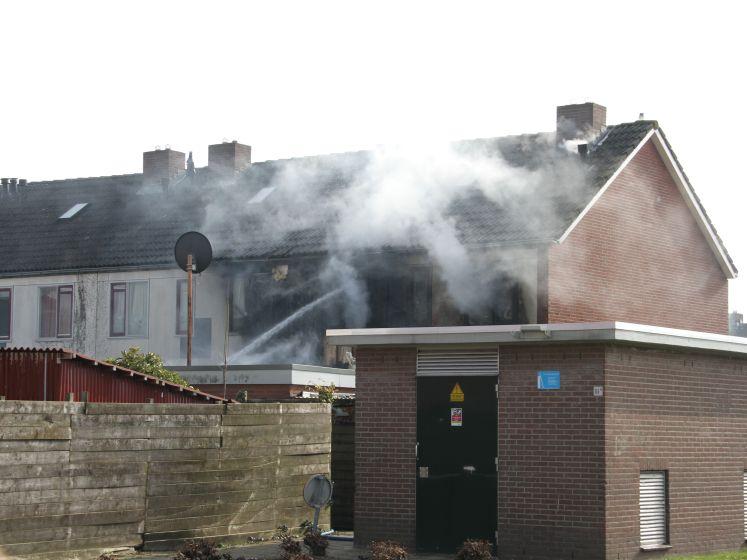 Fikse brand verwoest woning in Raalte