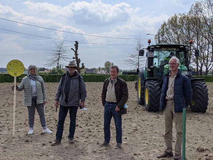 De stad Waregem zet 'tuinrangers' in, die inwoners helpen om te zoeken hoe ze hun tuin klimaatvriendelijker kunnen maken.