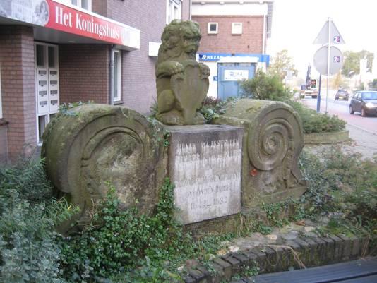 Het verwaarloosde monument.