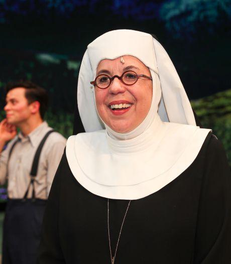 Francis van Broekhuizen speelt geen non, ze is er eentje