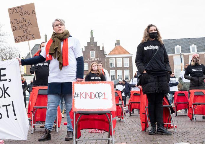 Medewerkers van Intervence protesteerden in december tegen de dreigende opheffing van hun organisatie.
