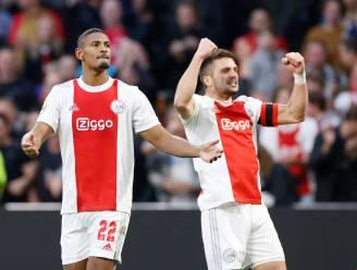 Ajax laat in droomweek ook niets heel van PSV, Tadic en Haller schitteren in topper