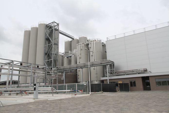 De nieuwe ontromingsfabriek van FrieslandCampina DMV in Veghel.
