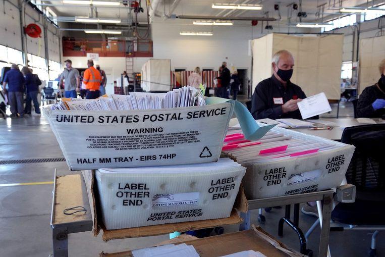 Stemmen tellen in Beloit, Wisconsin. Beeld AFP
