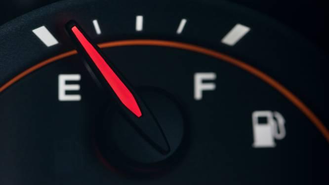 'Kun je de tank van je auto helemaal leegrijden?'