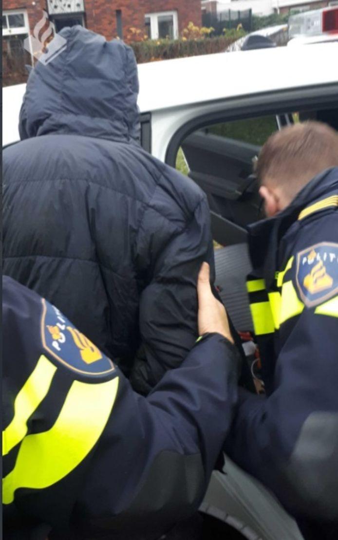 De mannen zijn gearresteerd in Tiel.