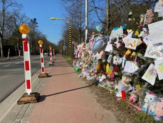 Signalisatie op plek waar fietsertje Loes (7) om het leven kwam