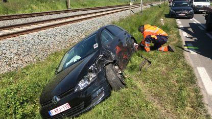 Slechts twee lichtgewonden na zwaar verkeersongeval op Rijksweg Torhout, veel verkeershinder