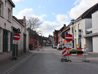 Eenrichtingsverkeer in Oude Bruggestraat door werken