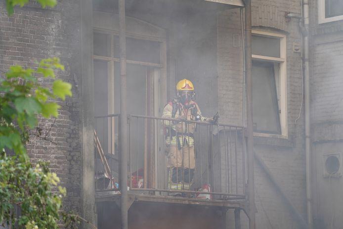 Brand aan de Hilledijk in Rotterdam-Zuid.