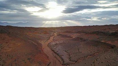 Jaar reizen naar Mars? China bouwt replica voor 'glamping'