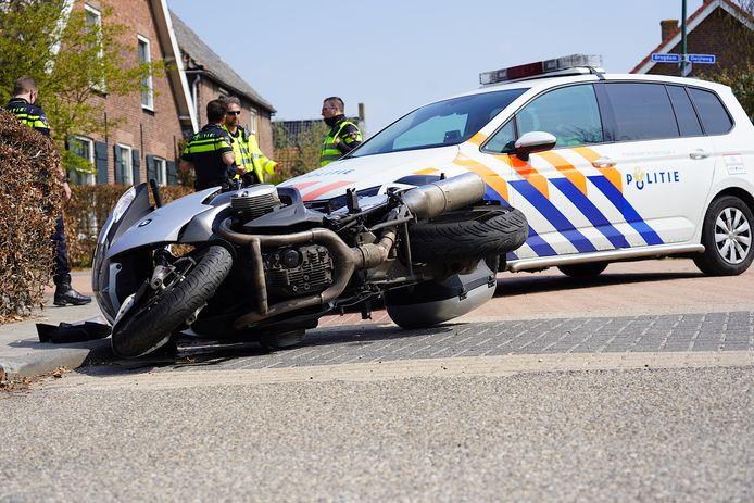 Motorrijder gewond bij ongeluk in Almkerk.