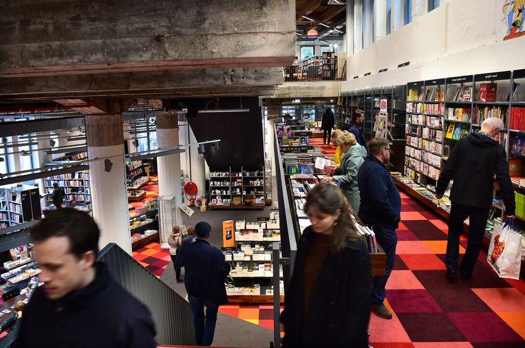 Boekhandel Donner in Rotterdam. Beeld Marcel van den Bergh / de Volkskrant