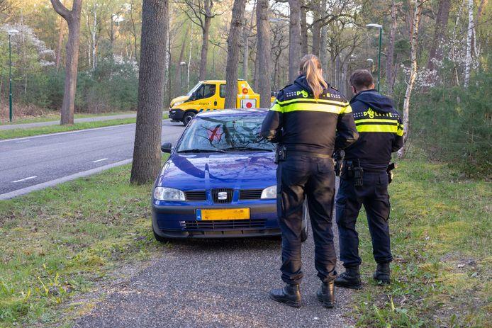 De auto van de man is opgehaald door een sleepbedrijf.