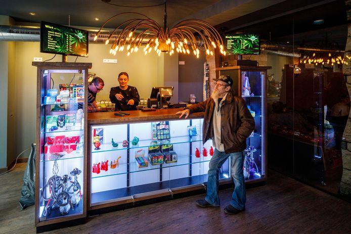 Coffeeshop Cannashop moet een maand dicht op last van de burgemeester.