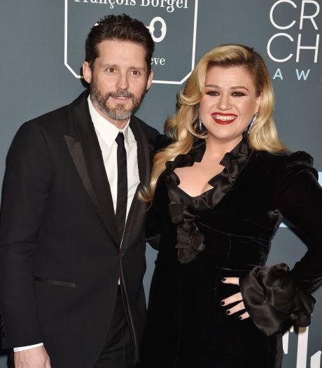 Ex-man haalt flink uit naar Kelly Clarkson na beschuldiging van miljoenenfraude