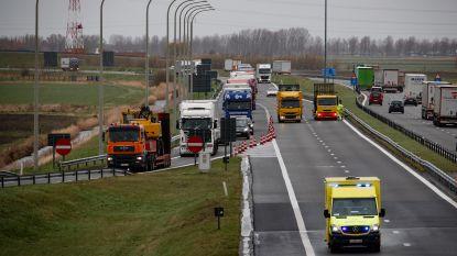 9 rijbewijzen ingetrokken voor terugkeren over pechstrook op E40