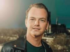 Zanger Brian Voet neemt lange pauze vanwege depressie: 'Druk is te hoog'