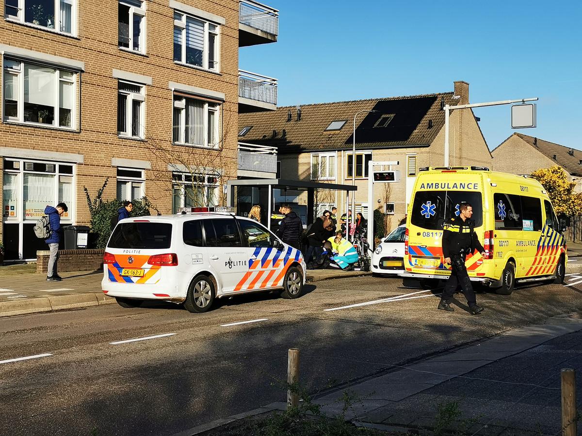 Op de 21e straat in Leuvensbroek in Nijmegen is een fietser aangereden.