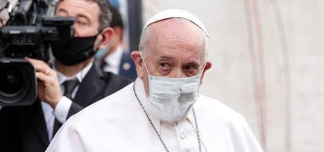 """Le pape considère les abus sur les enfants comme un """"assassinat psychologique"""""""