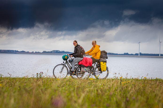 Mensen trekken er dit jaar massaal op uit met de fiets.