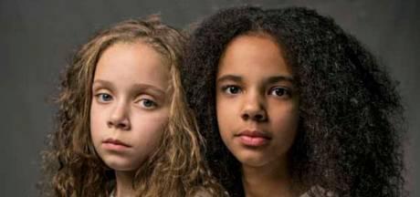 Verschillend gekleurde tweeling op de cover van National Geographic