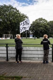 SML verlengt - na vier duels - contract met trainer John van Dijk