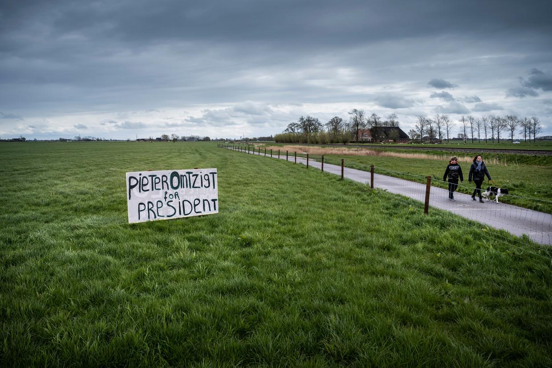 Een steunbetuiging aan toen nog CDA-Kamerlid Pieter Omtzigt in het Groningse Winsum, in mei dit jaar.  De populaire politicus, die dit weekend uit zijn partij stapte, haalde 342 duizend voorkeurstemmen bij de laatste verkiezingen.