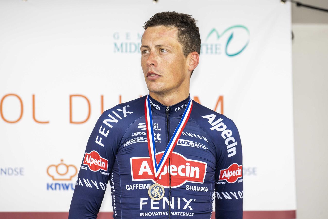 Oscar Riesebeek met zijn bronzen plak op het podium.
