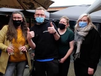 """Café De Steenbakkerij in Schriek maakt rentree: """"Na sluiting stamcafé hadden we zin in eigen zaak"""""""